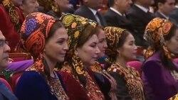 Türkmenistanda 223 zenana 'Ene mähri' ordeni gowşuruldy