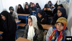 Schoolgirls seated in a classroom in the city of Bam (file photo)