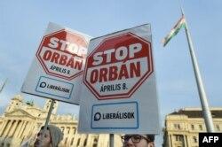 Мітинг опозиції (ліберальної партії) з закликом «зупинити Орбана» на виборах 8 квітня, Будапешт, 28 січня 2018 року