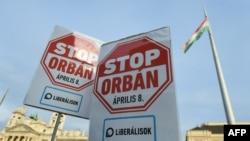 Будапэшт. Дэманстранты заклікаюць не галасаваць за партыю Віктара Орбана