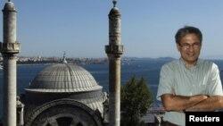 Orxan Pamukun ən məşhur fotolarından biri