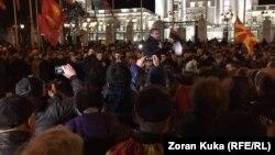 Скопје - Претседателот на ВМРО-ДПМНЕ Христијан Мицкоски на протест пред Владата, 28.11.2018