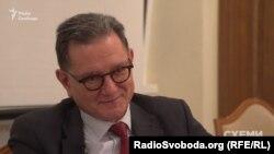 Карлос Кастресана запевняє, що хабарів йому не пропонували