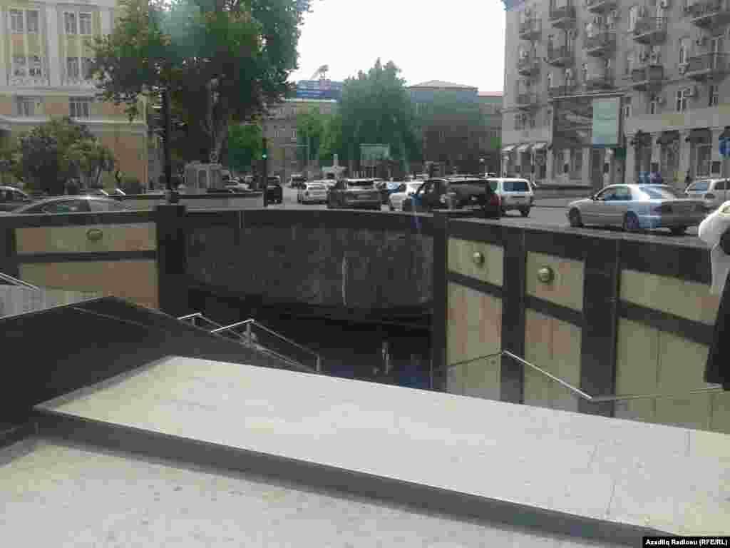 Nizami kinoteatrının qarşısındakı yeraltı keçid