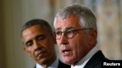 Președintele Barack Obama și ministrul demisionar al apărării