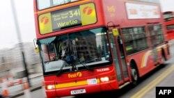 Илустрација: Автобус во Лондон