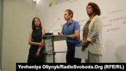 Зліва-направо: Олена Правило, Микола Скиба, Наталія Кривда