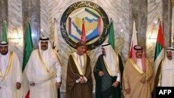 بیست و هشتمین نشست سران شورای همکاری خلیج فارس روز سه شنبه، ۱۳ آذر، در دوحه، مرکز قطر، به کار خود پایان داد.