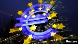 Европанын 18 өлкөсүндө евро жүгүртүлөт.