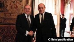 Главы МИД Армении и Франции - Зограб Мнацаканян (слева) и Жан-Ив Ле Дриан, Париж, 16 апреля 2019 г.