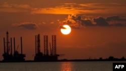 Мексиканский залив у берегов Луизианы, июнь 2010 г.