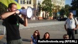 Сергей Жадан на митинге в поддержку украинского языка. Харьков, 9 июля 2012 года.