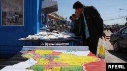 هر ماه نزديک به ۵۰ هزار عراقی از کشور می گريزند .