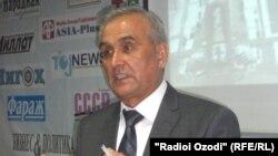 Джамшед Ахмадзода, председатель Комитета по архитектуре и строительству.