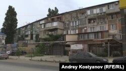 Жители Махачкалы самостоятельно увеличивают площадь своих квартир