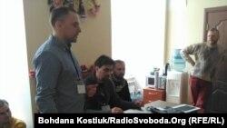 Команда «Ветеранського театру» (зліва направо): Ігор Касьян, Олексій Гнатковський і Ростислав Держипільський