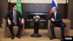 Президенты Туркменистана и России Гурбангулы Бердымухамедов и Владимир Путин