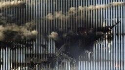 World Trade Center lovit de avioanele pilotate de teroriști