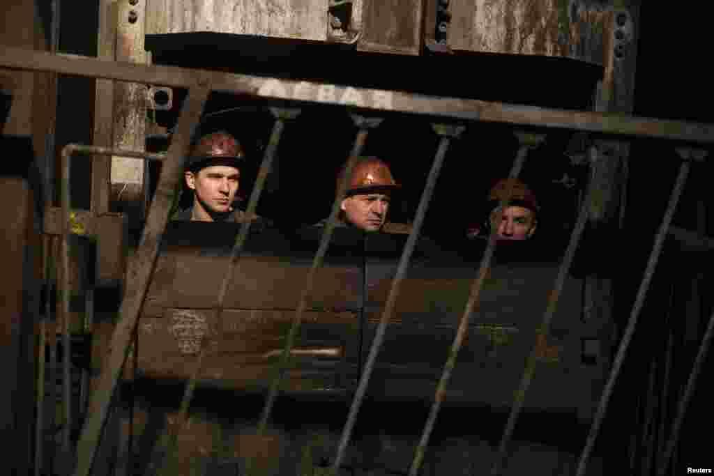 На поверхность после взрыва на шахте имени Засядько удалось вывести 157 человек из более чем двухсот