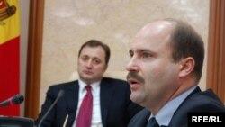 Ministrul economiei Valeriu Lazăr
