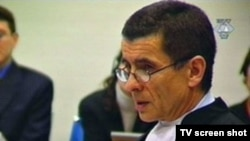 Netherlands - Geoffrey Nice, deputy prosecutor in the trial of Slobodan Milosevic at the Hague, Tv Screen Shot, undated