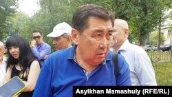 «Главный читатель» газеты «Дат» Ермурат Бапи отвечает на вопросы журналистов. Алматы, 16 июля 2018 года.
