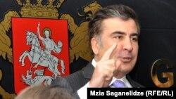 """Виктор Долидзе предполагает, что президент либо был плохо информирован, либо намеренно солгал, когда во всеуслышание заявил, будто в принятой 3 июля резолюции ПА ОБСЕ бывший премьер Мерабишвили назван """"политическим заключенным"""""""
