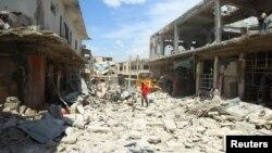 عکسی از حمله هوایی در دهم ماه مه به ادلب