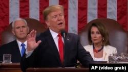 ABŞ prezidenti Donald Trump Vaşinqtonda çıxış edir