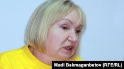 «Әділ сөз» қорының жетекшісі Тамара Калеева. Алматы, 10 қыркүйек 2012 жыл.