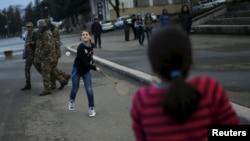 Nagorno Karabakh - Children play on the street in Nagorno-Karabakh's city of Stepanakert, April 7, 2016