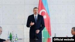 Ильхам Алиев на заседании Кабмина Азербайджана, Баку, 17 апреля 2012