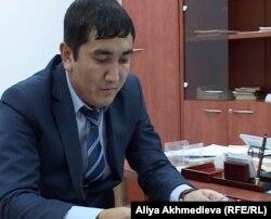 Заместитель начальника управления строительства по городу Талдыкорган Айдын Чалкенов. Талдыкорган, 2 декабря 2011 года.