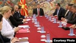Претседателот Ѓорге Иванов ги прими членовите на владиниот тим за странски инвестиции.
