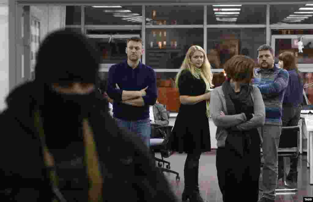 Обыск в офисе Фонда борьбы с коррупцией, который возглавляет Алексей Навальный. 16 января 2015 года.