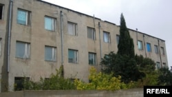 Dövlət Əmlak Komitəsinin AXCP-yə qərargah üçün təklif etdiyi bina. 2006