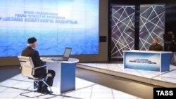 Рамзан Кадыров (справа) и его пресс-секретарь Альви Каримов (слева).