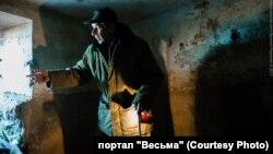 Василий Ковалев в подвале бывшей зоны усиленного режима
