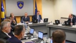 Kryeministri Ramush Haradinaj gjatë një mbledhje të Qeverisë së Kosovës.