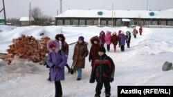 Төмән өлкәсенең татар авыл мәктәбе укучылары