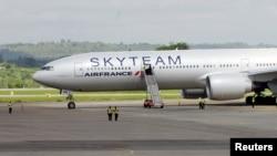 Літак авіакомпанії Air France після екстреної посадки в Момбасі, Кенія, 20 грудня 2015 року