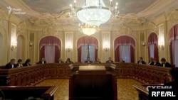 Велика Палата Верховного суду України скасувала догану, оголошену Андрію Перову