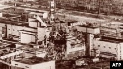 The stricken reactor No. 2 at Chornobyl in 1986