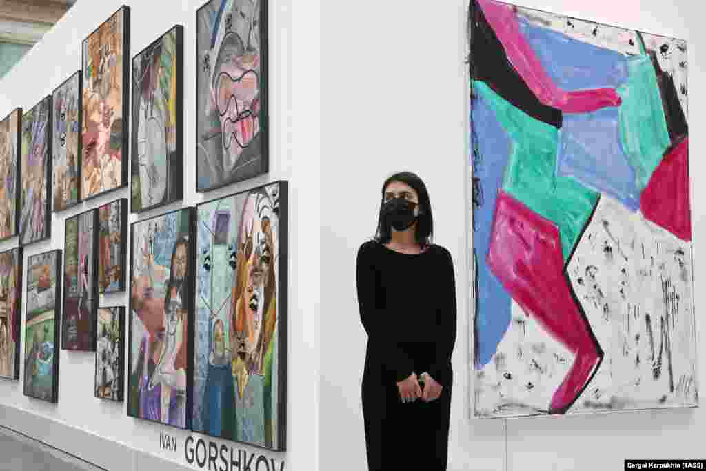 Works by Russia's Ivan Gorshkov (left) and Henning Strassburger of Germany