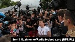 "Nadiya Savçenko ""Borıspil""ge keldi. Kyiv, 2016 senesi, mayıs 25"