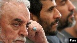 حبیبالله عسگراولادی در کنار محمود احمدینژاد