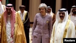 نخست وزیر بریتانیا در کنار رهبران کشورهای شورای همکاری خلیج فارس