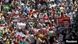 Протести на приврзаници на Муслиманското братство во Египет.