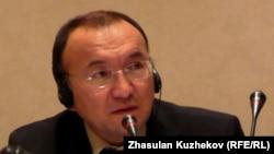 Ректор Международной академии бизнеса в Алматы Асылбек Кожахметов.