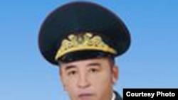 Генерал Жекей Қалидолда, Моңғолия парламентінің депутаты.